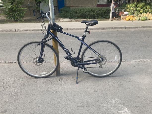Продаю велосипед от бренда GT