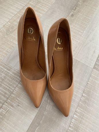 Стилни обувки La Strada 39н