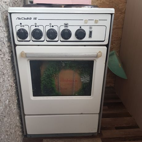 Продам на запчасти плиту и стиральную машинку