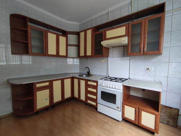 Кухня, плита,духовка, вытяжка