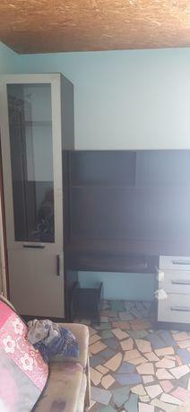 Продам компьютерный стол со шкафом и пеналом