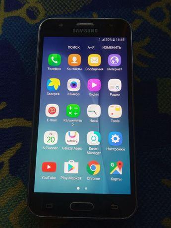 Продам телефон Самсунг J 5
