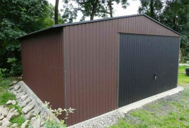 Vand garaje pe structura metalica