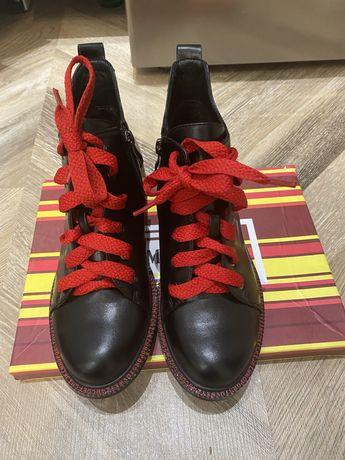 Новые ботинки на осень женские 35 размер
