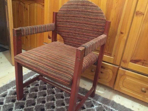 Столове и дивани