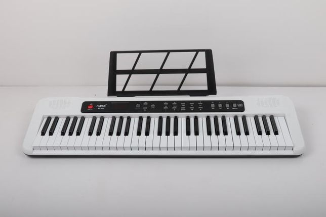 Синтезатор 61 клавиша !