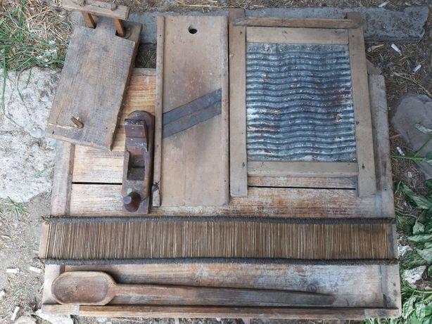 Obiecte vechi din lemn