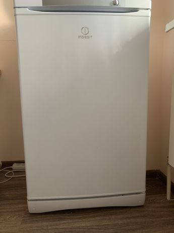 Морозильник INDESIT SFR 100