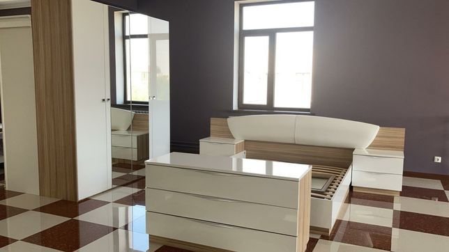 Мебель со склада спальный гарнитур Росита