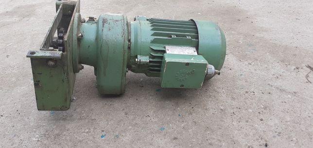 Motor cu reductor Getriebebau-NORD