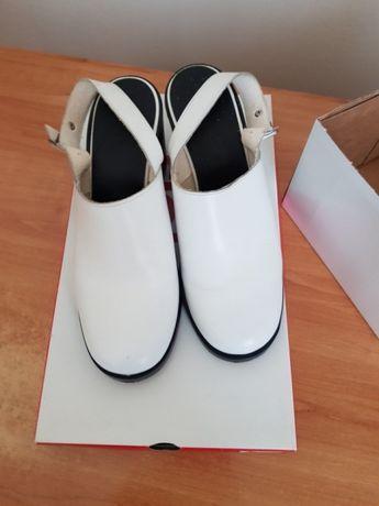 Pantofi slingback nr.39 la ofertă !