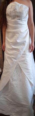 Рокля S размер- класическа булчинска рокля