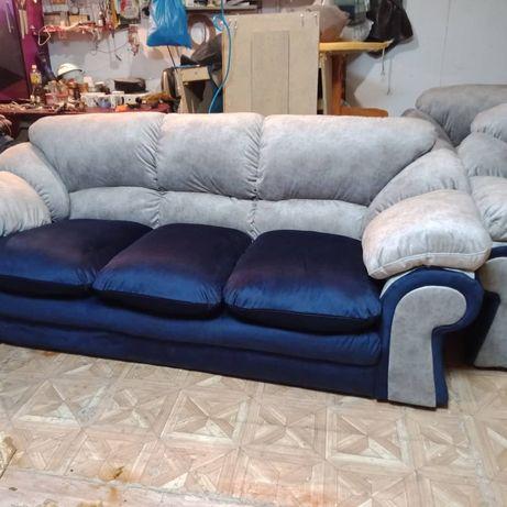 Перетяжка мягкой мебели,а также изготовление диванов пуфиков в кафе