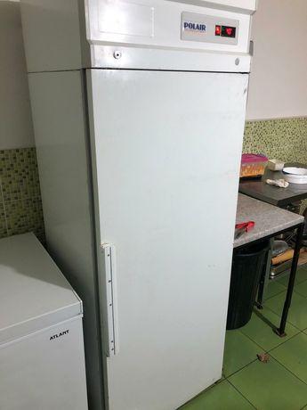 Холодильник производственный, подходит для ресторанов и кафе