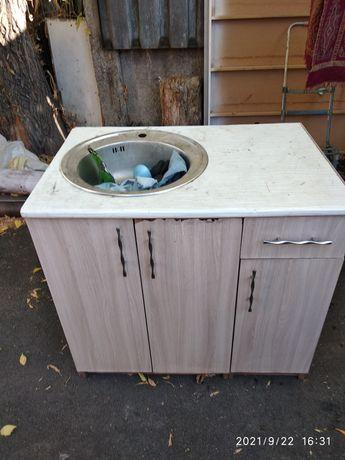 Кухонный шкаф с раковиной