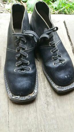 Кожаные ботинки лыжные