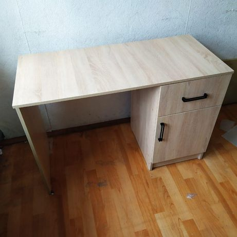 Продам новый стол  Доставка по городу бесплатно