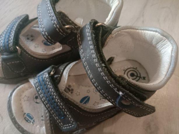 Продам сандали ортопедические на мальчика носили два, три месяца