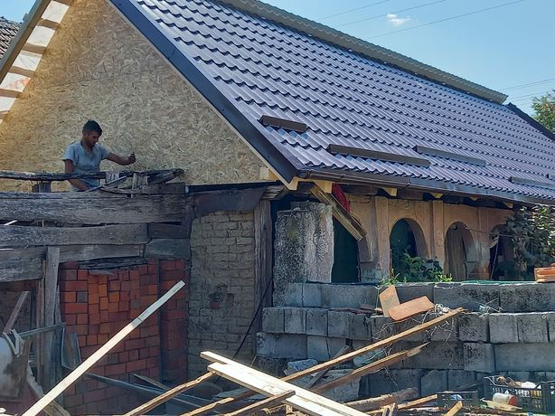 Meseriași în acoperișuri, executam lucrări de construcții acoperișuri