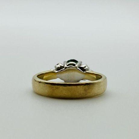 Кольцо с бриллиантами и изумрудом, золото 585 (14K), вес 4.28 г.