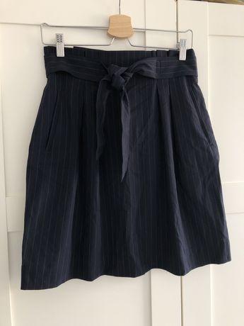 Тъмно синя пола със ситно райе, завръзване на кръста и джобове