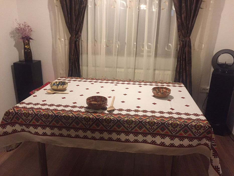 Vând fețe de masa ,lenjeri de pat Bucuresti - imagine 1