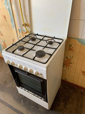 Продам газовую плиту б/у