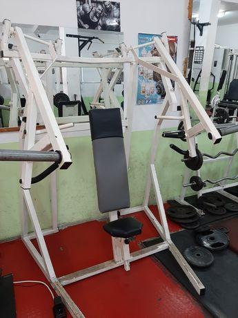 Фитнес уред за гърди