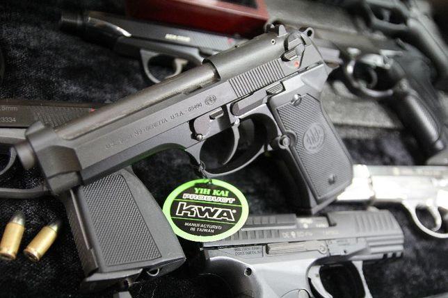 *PISTOL PUTERNIC* Model Beretta M9 Full Metal Co2 Airsoft 4,.2J 6mm