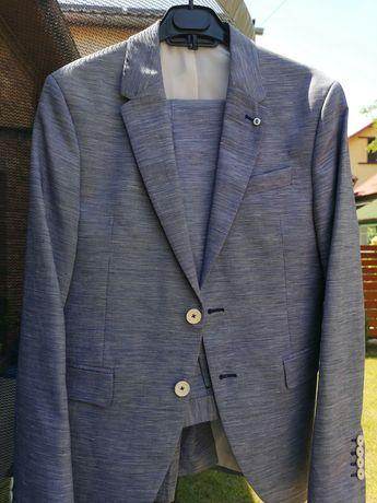 Vând costum Zara pentru bărbați sub 1,70 sau băieți 14-15 ani