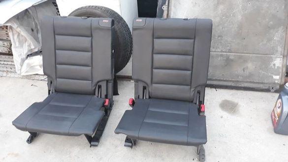 Седалки за VW Touran 3-ти ред с тапети колани...