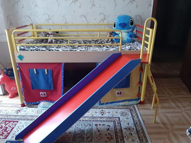 Детская кровать фирмы cilek
