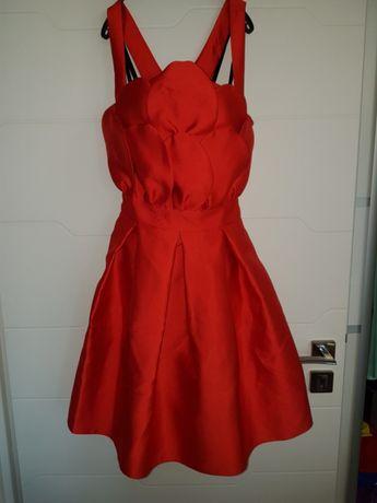 Vand rochie rosie