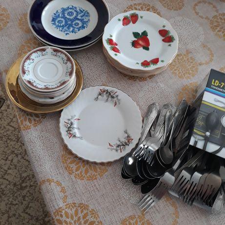 Продам посуду: тарелки, ложки, вилки,банки