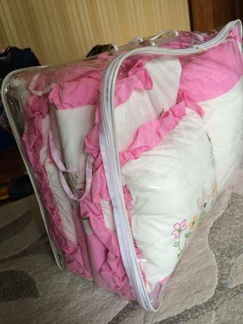 Комплект бортики на манеж+одеяло+2 подушки для девочки
