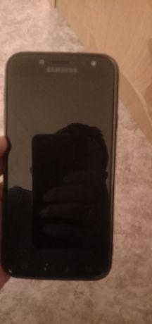 Продаю J7 2017  не работает экран