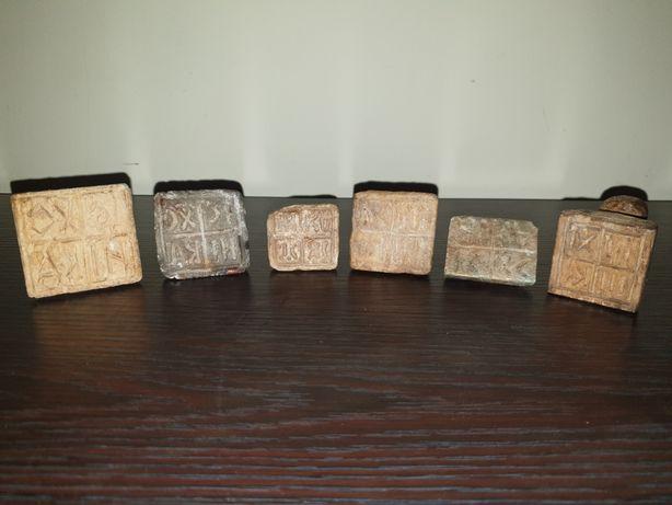 Pecetar / Pecetare vechi din piatra și lemn, colecție