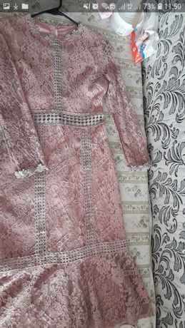 Продам платье нежное