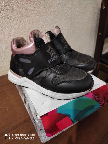 Продам ботиночки для девочки