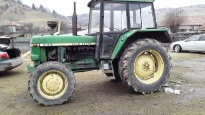 Tractor Jhon deer 3130  .