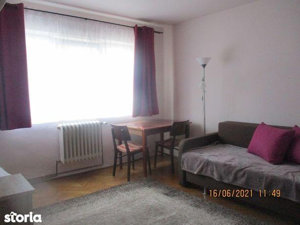 De închiriat apartament cu 2 camere în Grigorescu, în spate la Profi