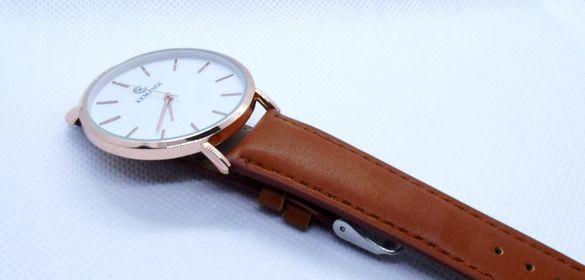 НОВ тънък и елегантен кварцов часовник