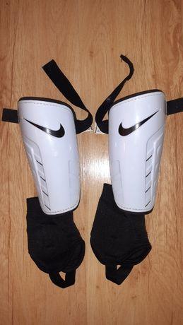 Vand aparatori cu glezniere Nike adulti