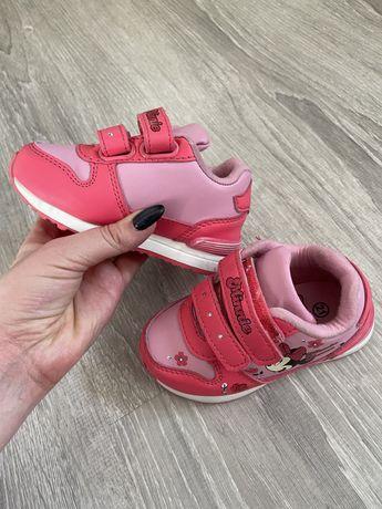 Детские кроссовки 21 размер, светятся