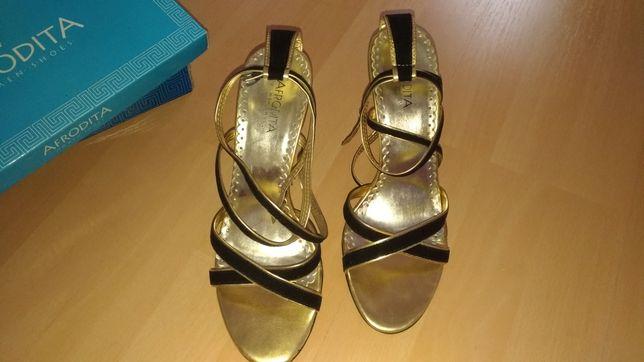 Sandale aurii catifea