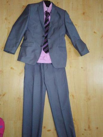 Мъжки костюм на Промо цена