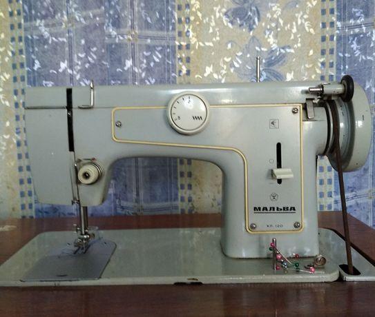 Продам швейную машину Мальва, подольская