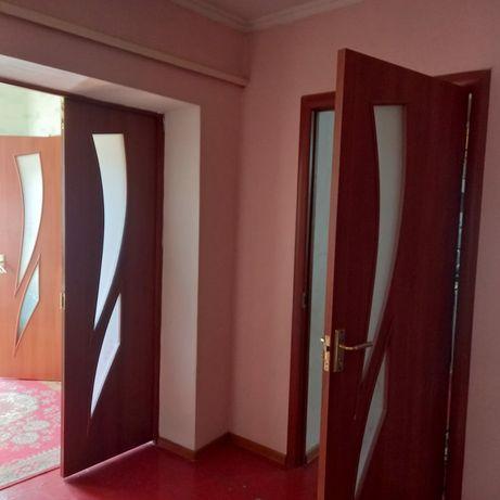 Продам двери межкомнатные в хорошем состоянии 3 штук