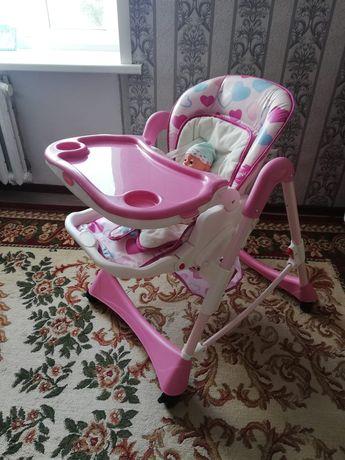 Обеденный стол для малышей