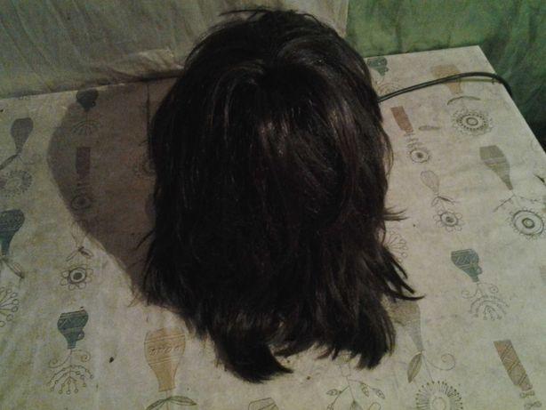 парик продаётся короткий